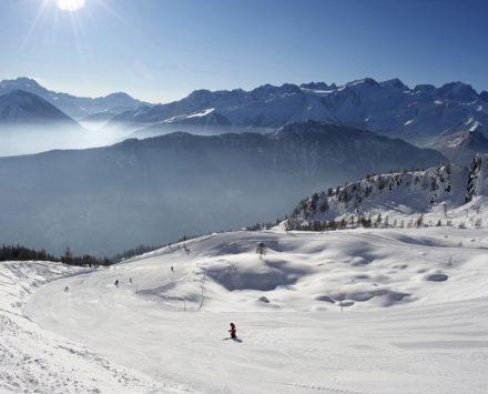 hameau et domaine skiable de la Creusaz